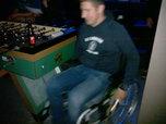 jongen in rolstoel